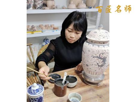 片片郁白云飘,朵朵火红霞照—陶瓷工艺美术师杜云霞